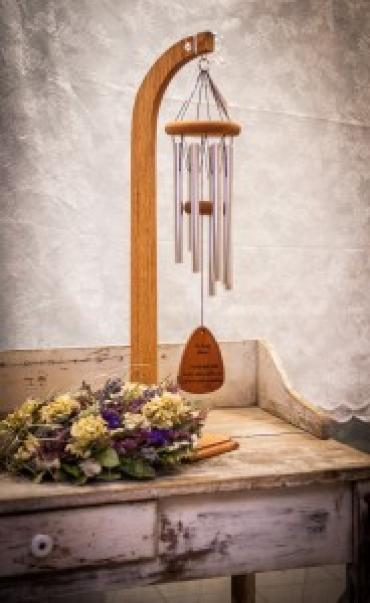 MEDIUM WIND CHIME & STAND SYMPATHY