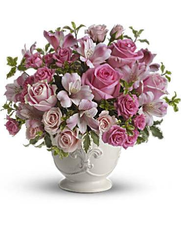 Teleflora\'s Pink Potpourri Bouquet with Roses